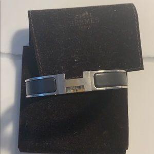 Men's Hermès Clic H bracelet in Palladium/ black
